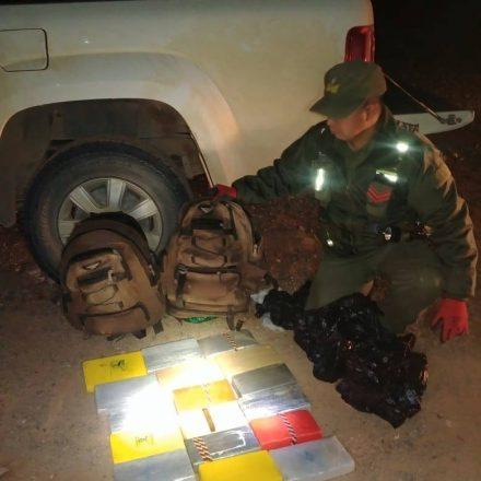 Acondicionaba más de 36 kilos de cocaína en su camioneta
