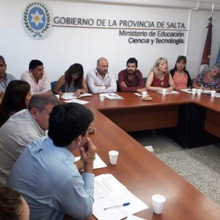 La Secretaría de Gestión Educativa de la Provincia se reunió con representantes de los gremios de educación