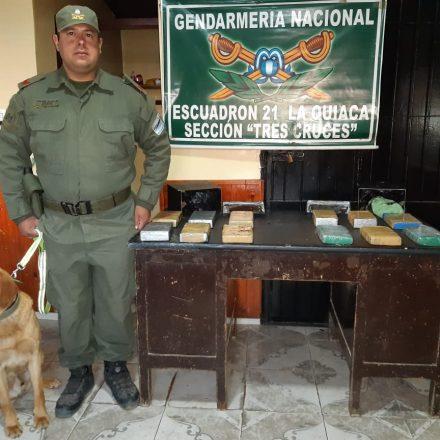 Gendarmería secuestró más de 12 kilos de cocaína dentro de dos cajas metálicas
