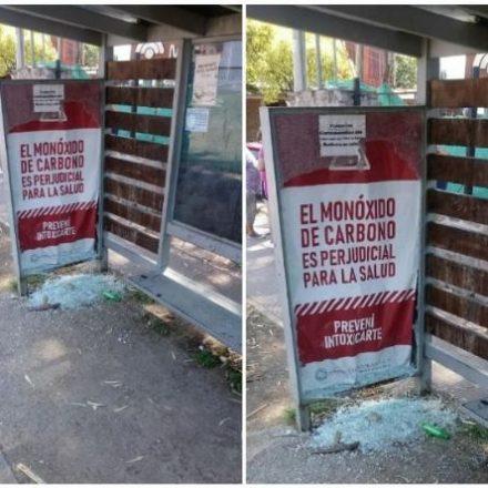 Destrozaron el parador de SAETA en el Mercado Artesanal de la Capital