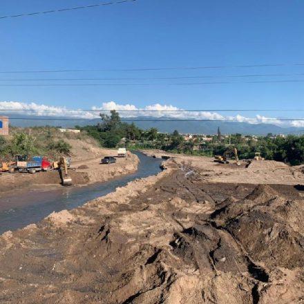 Limpieza y encauzamiento del río Arenales