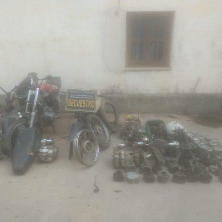 En Las Lajitas desbaratan dos desarmaderos de motos