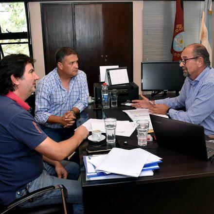 El ministro Camacho en reunión con directivos de la Cámara Salteña de la Construcción