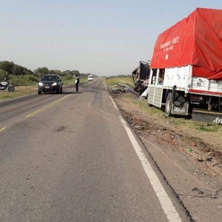 Mujer muere tras ser arrojada de una camioneta, y mas tarde fallece el conductor en un siniestro vial