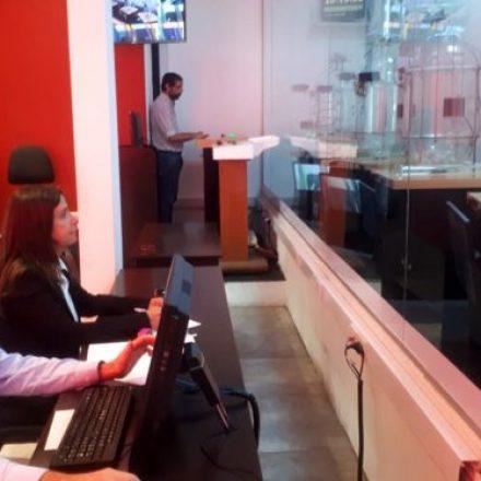Una familia de Orán cancela su vivienda en el primer sorteo del año del IPV