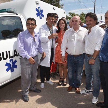 En Coronel Juan Solá, Sáenz entregó una ambulancia que asistirá al municipio de Rivadavia Banda Norte
