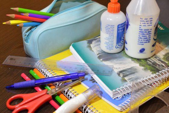 Financiarán la compra de útiles e indumentaria escolar