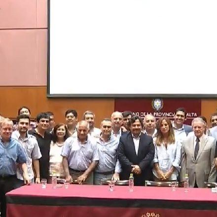 Saenz encabezó la presentación de la Tarjeta Alimentar en la Provincia