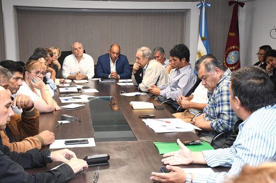 Continúan hoy las mesas de diálogo entre Gobierno y gremios
