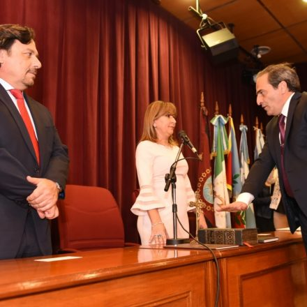Juramento del nuevo Defensor General de la Provincia, Pedro García Castiella