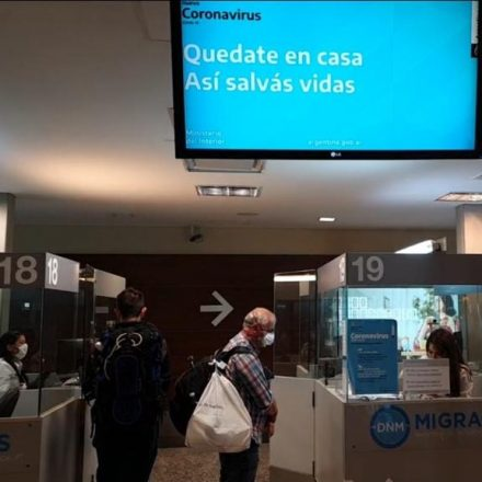 Refuerzan controles en los ingresos al país para que los argentinos cumplan con la cuarentena obligatoria