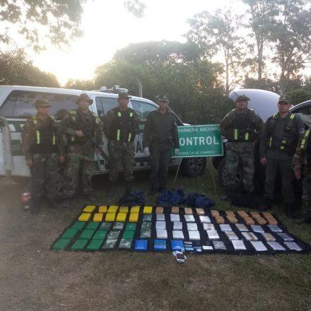 Secuestran más de 72 kilos de cocaína en una camioneta