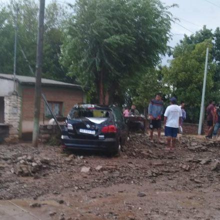 Tras el temporal asistieron a familias damnificadas de Guachipas