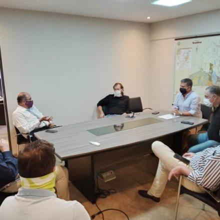 El ministro de Infraestructura Sergio Camacho se reunió con cámaras de la construcción