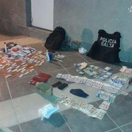 Detienen a dos hombres tras robar una farmacia