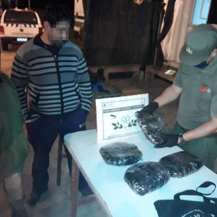 Incautan marihuana y hojas de coca que eran transportados ocultos en mochilas
