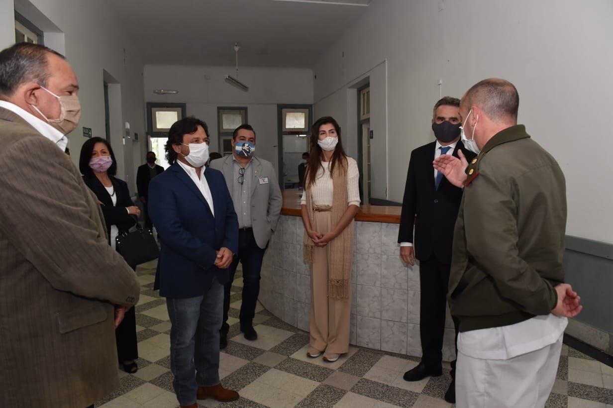 El gobernador Sáenz y el ministro Rossi recorrieron las instalaciones del Hospital Militar