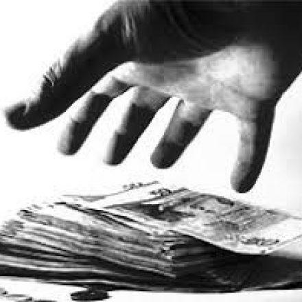 Imputaron a tres policías de Drogas Peligrosas por sustraer dinero secuestrado