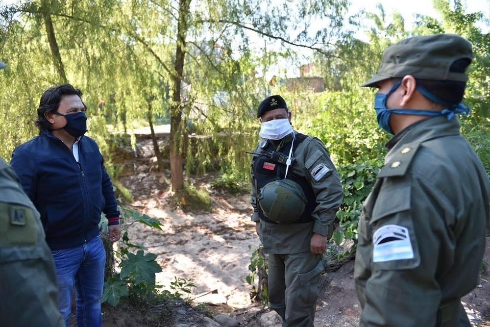 El Ejército, Gendarmería y Policía ya custodian la frontera con el país vecino de Bolivia