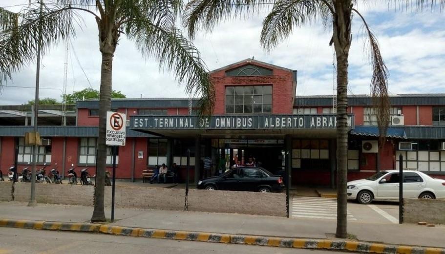 Suspenden el transporte de colectivo, taxis y remises en municipios del norte provincial