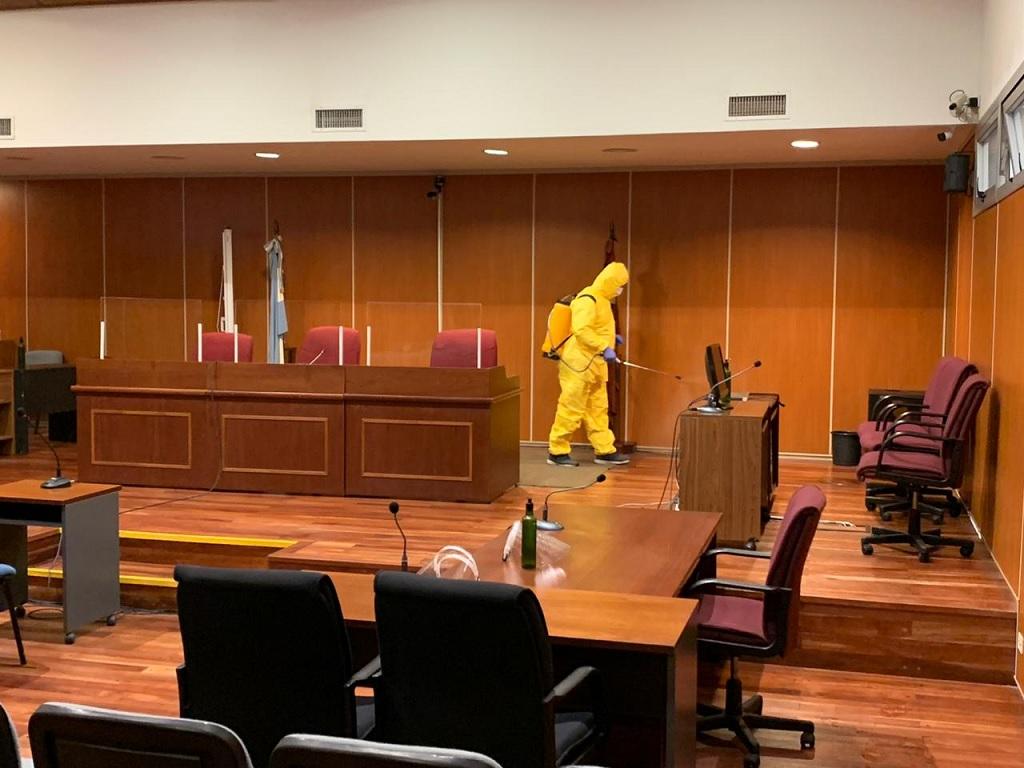 Ordenan desinfectar todo el edificio del Poder Judicial en Capital tras los casos positivos de COVID-19