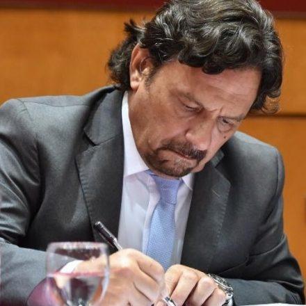 Sáenz firmó hoy la reglamentación de la Ley de Promoción Minera N° 8164, que impulsa un régimen de fomento para la infraestructura minera