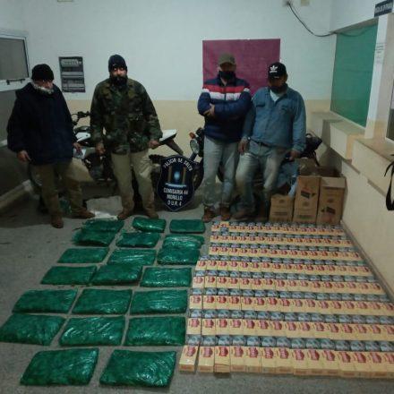 Secuestran cigarrillos y hojas de coca que era transportados por motociclistas