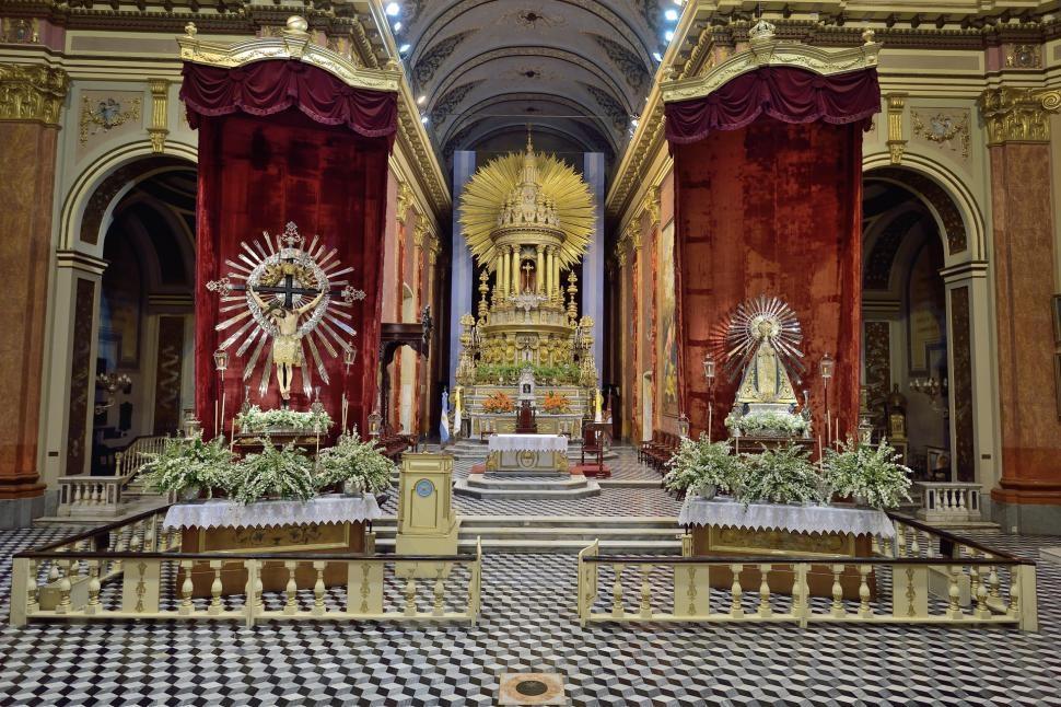 Como será el operativo de entronización de las imágenes del Señor y la Virgen del Milagro
