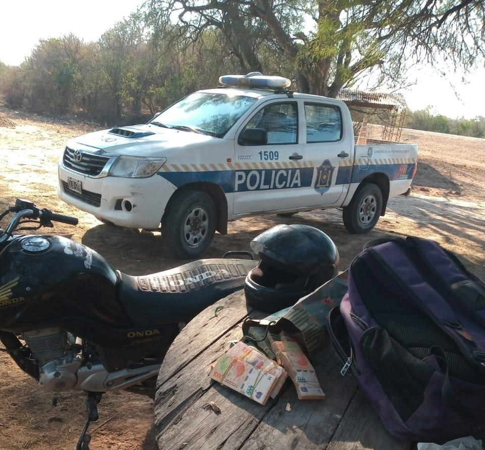 En Morillo demoran a un jóven de 15 años que transitaba con más de 800 mil pesos