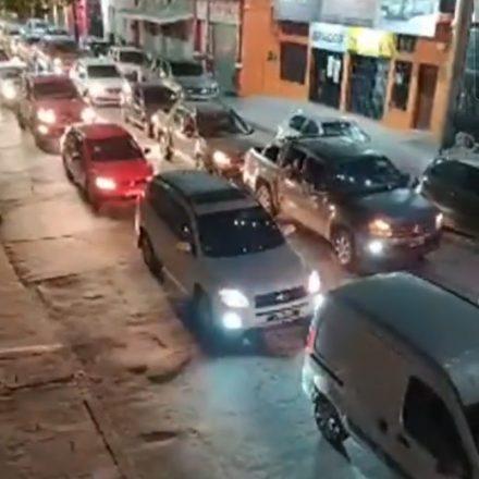Multitudinario bocinazo y cacerolazo en Orán por la crítica situación sanitaria
