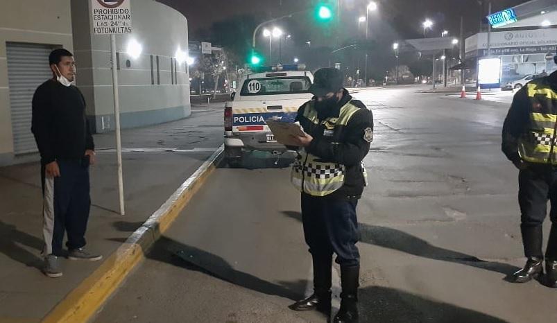 La Policía realiza estrictos procedimientos de control en toda la provincia