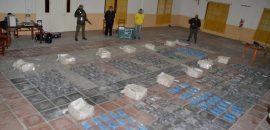 Gendarmería incautó más de 380 kilos de cocaína que eran transportadas en dos camionetas